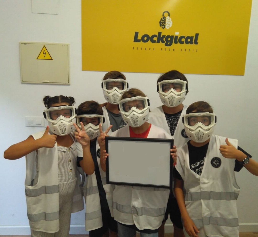 escaperoom_adolescente2_lockgical_cadiz